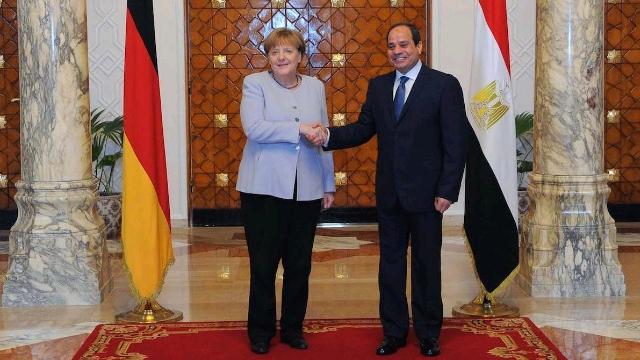 Angela-and-Sisi