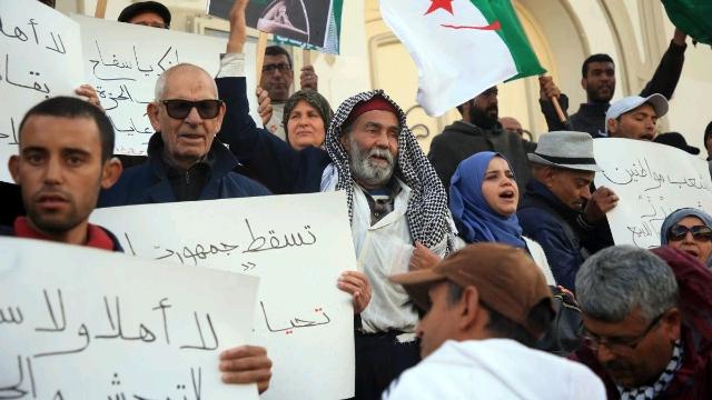 Tunisians_protest