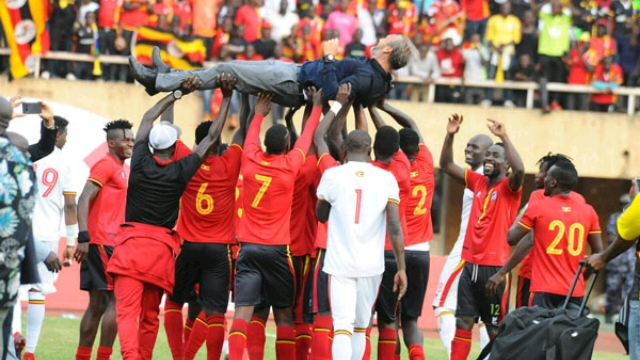 Uganda_cranes