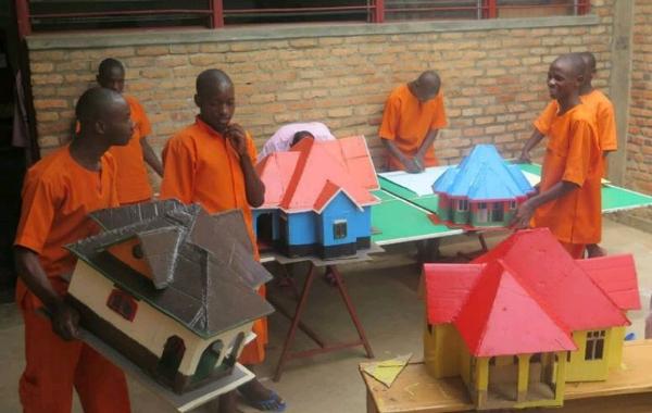 rwanda-kids-inmates