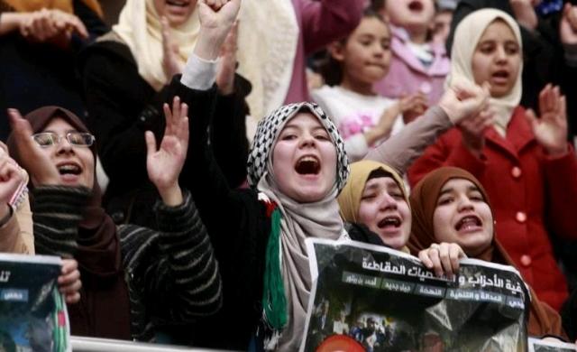 algerian_protester.jpg