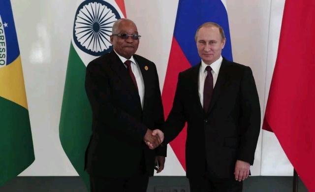 Jacob_Zuma_meets_Vladimir_Putin.