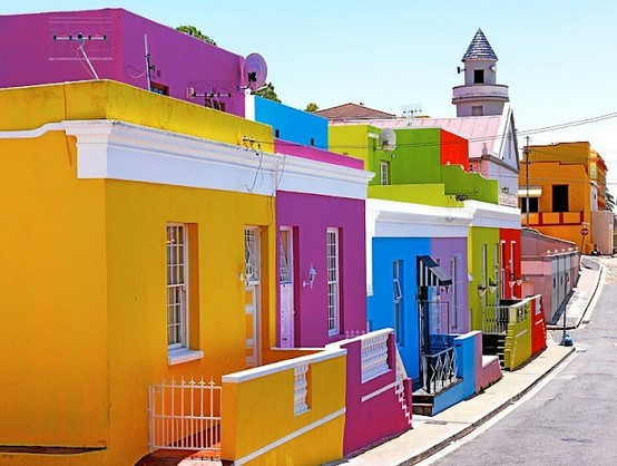 Malay-Cape-Town-South-Africa-homes-with-the-brilliant-colors.