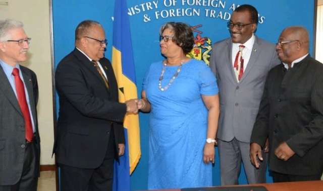 Barbado Foreign Minister