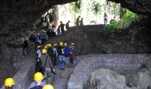 Musanze-Caves-Rwanda-by-katona-tours_crop_640x380.jpg