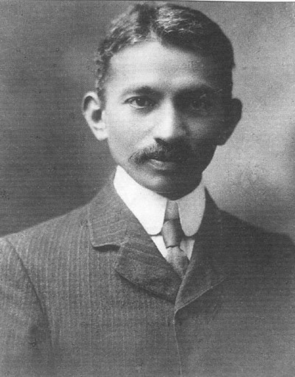 Gandhi-photographed-in-South-Africa-1909-600x767.jpg