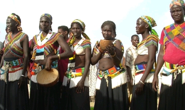 latuka-women-in-tribal-garb-805x611_crop_640x380.jpg