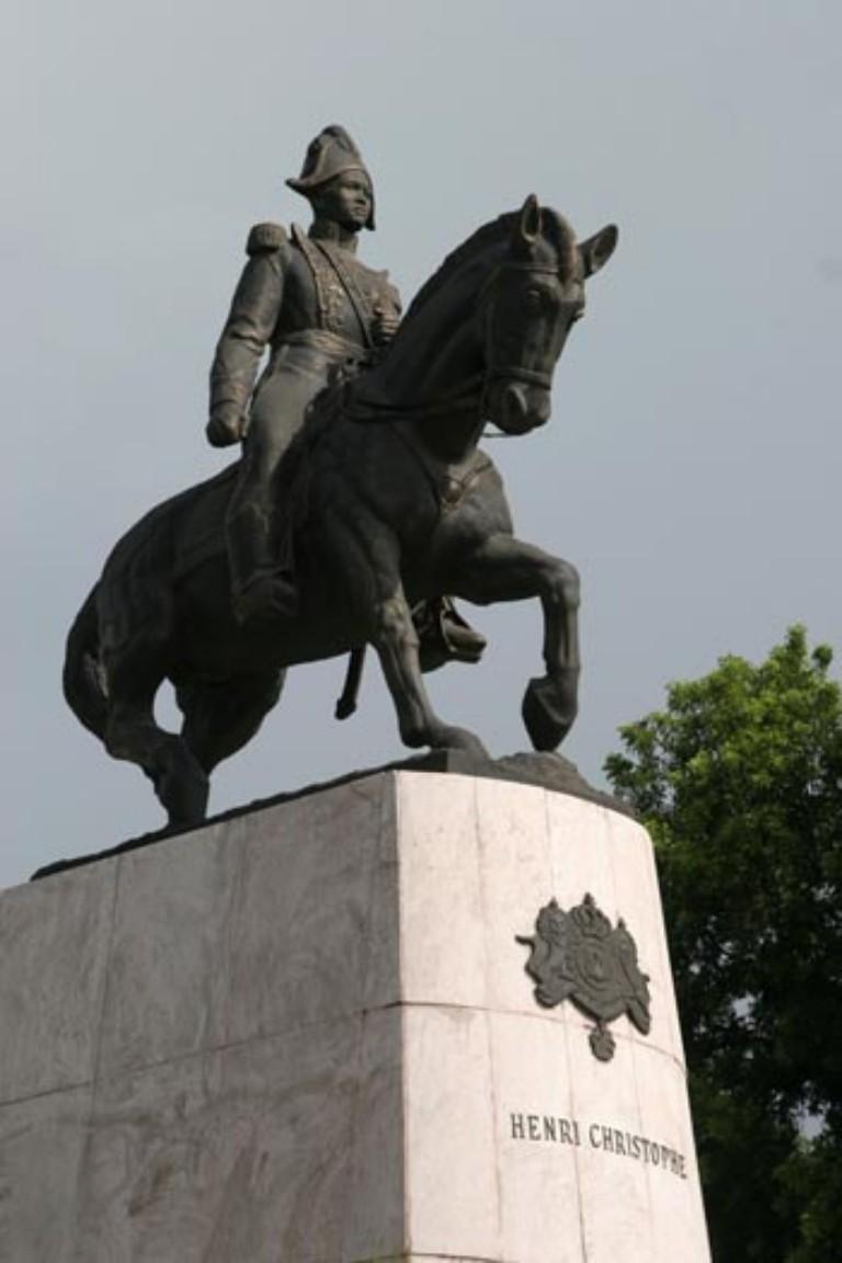 statue-henri-768x1152.jpg