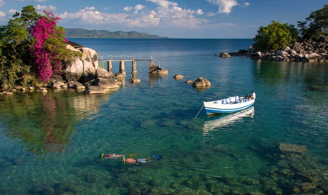 snorkelling-lake-malawi-timbuktu_crop_640x380.jpg